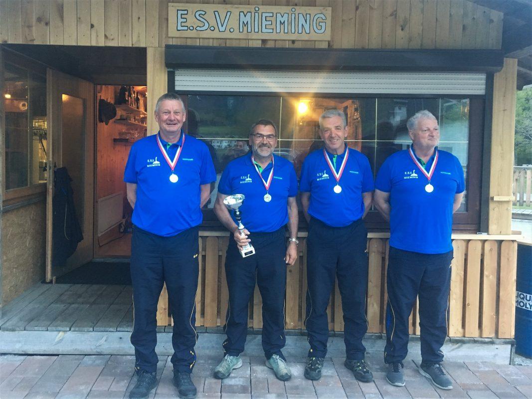 Oberliga Team des ESV Mieming Foto: Stefan Falch